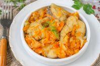 Правила готовки тушеной щуки с добавлением лука и моркови