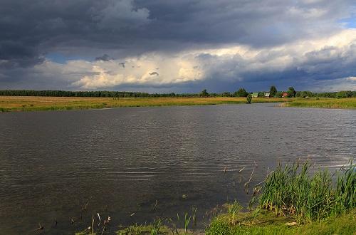гроза на озере
