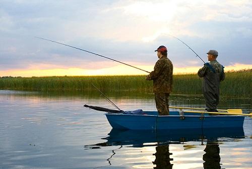 особенности рыбалки с лодки