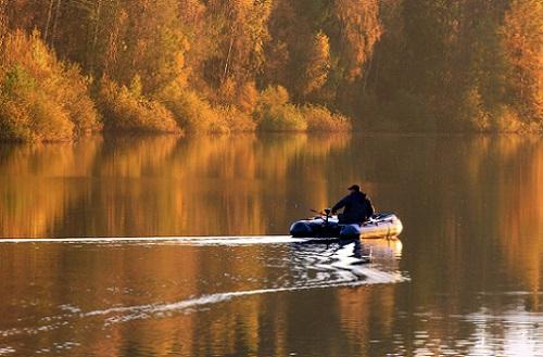 лодки и удочка