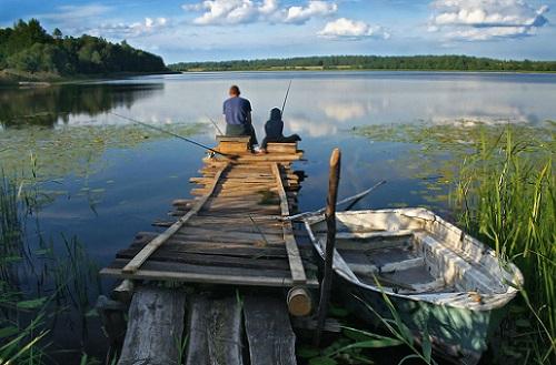 рыбак летом