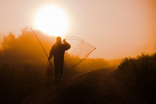 рыбак утром