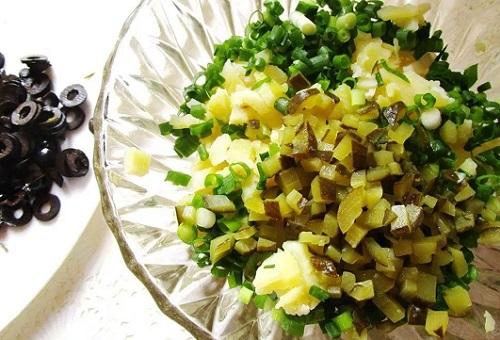 картофель и оливки