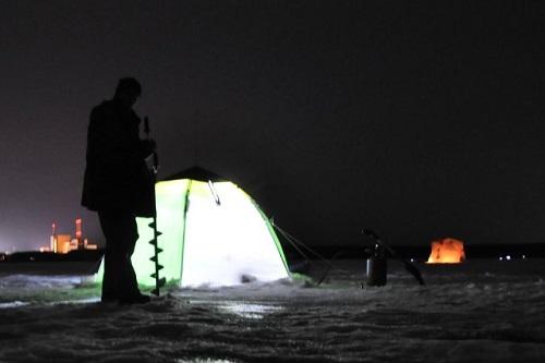 ночью рыбак